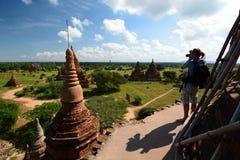 Ein Fotograf an Bulethi-Pagode Bagan myanmar Stockfoto