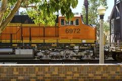 Zug, der die Station führt Lizenzfreies Stockfoto