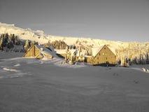 Ein Gebäude im Schnee Lizenzfreies Stockbild