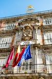 Ein Gebäude in Piazza-Bürgermeister in Madrid, Spanien lizenzfreie stockbilder