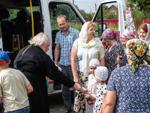 Ein Gebet zu Ehren der orthodoxen Ikone des Heiligen der Mutter des Gottes Kaluga in Iznoskovsky-Bezirk, Kaluga-Region von Russla Lizenzfreie Stockbilder