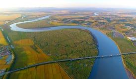 Ein gebogener Fluss Stockbild