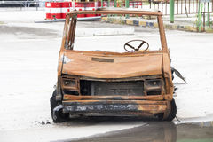 Ein gebranntes Autowrack Stockfoto