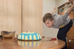Ein Geburtstag des kleinen Jungen Lizenzfreie Stockfotos