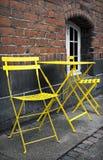 Ein gelber Platz zum zu stoppen Stockfotos