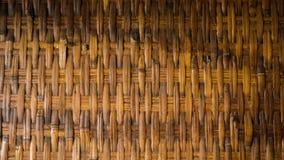 Ein gesponnenes traditionelles Bambushandgemachtes der Wandbeschaffenheit mit altem rustikalem verwittert lizenzfreie stockfotografie
