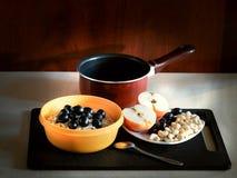 Ein gesundes Frühstück des Hafermehls Stockfotos