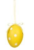 Ein getrenntes Osterei handng, Dekoration. Lizenzfreies Stockfoto