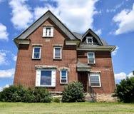 Ein giebeliges Haus Lizenzfreies Stockbild