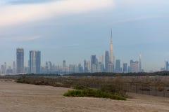 Ein Glättungsschuß der Dubai-Skyline stockbild
