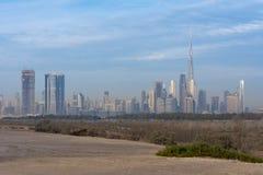 Ein Glättungsschuß der Dubai-Skyline stockfotos