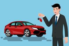 Ein glücklicher Geschäftsmann, Fahrzeugverkäufer ist, halten stehend und einen Schlüssel des nagelneuen Autos für Verkauf Lizenzfreie Stockfotos