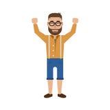 Ein glücklicher junger Hippie-Mann in den Gläsern mit den angehobenen Händen oben Stockfoto