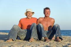 Ein glückliches homosexuelles Paar lizenzfreies stockbild