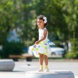 Ein glückliches schwarzes Kind Lizenzfreie Stockbilder