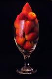 Ein Glas Erdbeeren Stockfotos