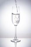 Ein Glas Getränke stockbild
