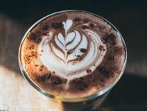 Ein Glas heiße Schokolade lizenzfreies stockfoto