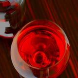 Ein Glas Rotwein Stockfoto