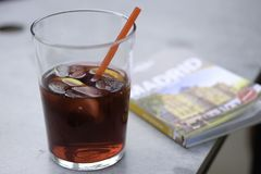 Ein Glas Sangria Lizenzfreie Stockfotografie