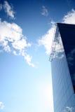 Ein Glasgebäude im Himmel Lizenzfreie Stockbilder