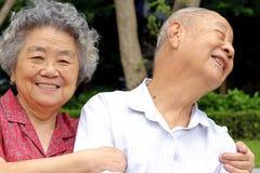 Ein glückliches älteres Paar Lizenzfreies Stockfoto