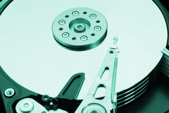 Ein grünes Festplattenlaufwerk ist offen Lizenzfreie Stockbilder