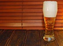 Ein großes Glas Bier Lizenzfreies Stockbild