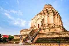 Ein großes stupa Stockbilder