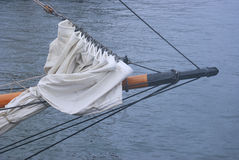 Ein Großseglersegelschiffbogen Stockfotografie