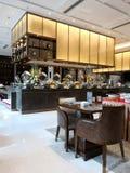 Ein gut-geöffnetes Hotelrestaurant lizenzfreies stockbild