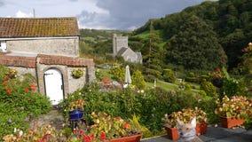 Ein Häuschengarten in einem englischen Bauerndorf Lizenzfreie Stockbilder