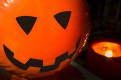 Ein Halloween-Hintergrund im dunklen Ton Lizenzfreie Stockfotografie