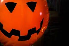 Ein Halloween-Hintergrund im dunklen Ton Lizenzfreie Stockfotos