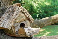 Ein Haus auf einem Baum Lizenzfreie Stockfotos
