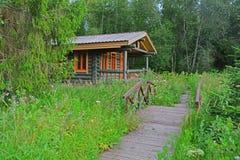 Ein Haus im Bauernhofpark von Znamenskoye-Rayokzustand (18. Jahrhundert) in Torzhok-Bezirk Stockfoto