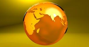 Ein Hintergrund mit dem Erdplaneten in der gelben Farbe, die die Europa- und Asien-Kontinente zeigt stock abbildung