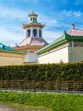 Ein historischer Chinesisch-ähnlicher Pavillon in einem Park in Pushkin, St. Peter stockbild