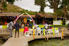 Ein Hochzeitsempfang in Bequias Ufergegend Stockfotos