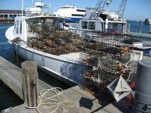 Ein Hummerboot bereit, Fallen einzustellen stockfoto
