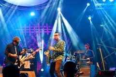 Ein indonesisches Band Ausführungsjazz music at kuching waterfront Jazz Festival lizenzfreies stockbild