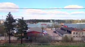 Ein Industriegebiet ist im Vorort der Stadt Zelenograd stock video