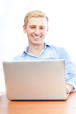 Ein junger Geschäftsmann Lizenzfreies Stockbild