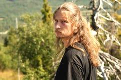 Ein junger Mann Stockfotos