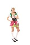 Ein junges bayerisches Mädchen, das in der traditionellen Kleidung aufwirft stockfotos
