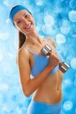 Ein junges sportliches Mädchen lizenzfreie stockfotos