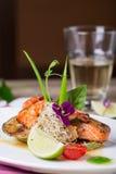 Ein köstlicher Teller von gegrillten Lachsen Lizenzfreie Stockfotografie