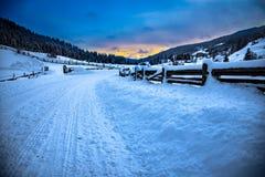 Ein kalter Wintermorgen in Lessach Stockfotos