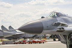 Ein Kampfflugzeug auf Start Lizenzfreies Stockfoto