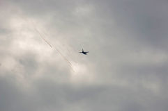 Ein Kampfflugzeug in der Aktion Stockfoto